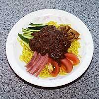 其ノ四:ジャージャー麺