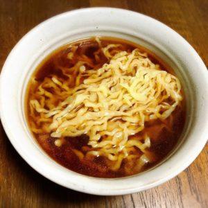 手もみしたつけ麺専用麺を醤油スープとあわせました